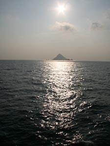 写真入れた。前のページも。これは利島